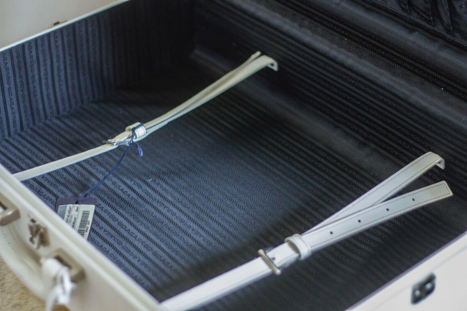 Hard Suitcase Stunning